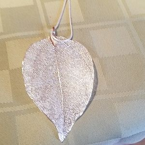 New silver tone fall leaf necklace